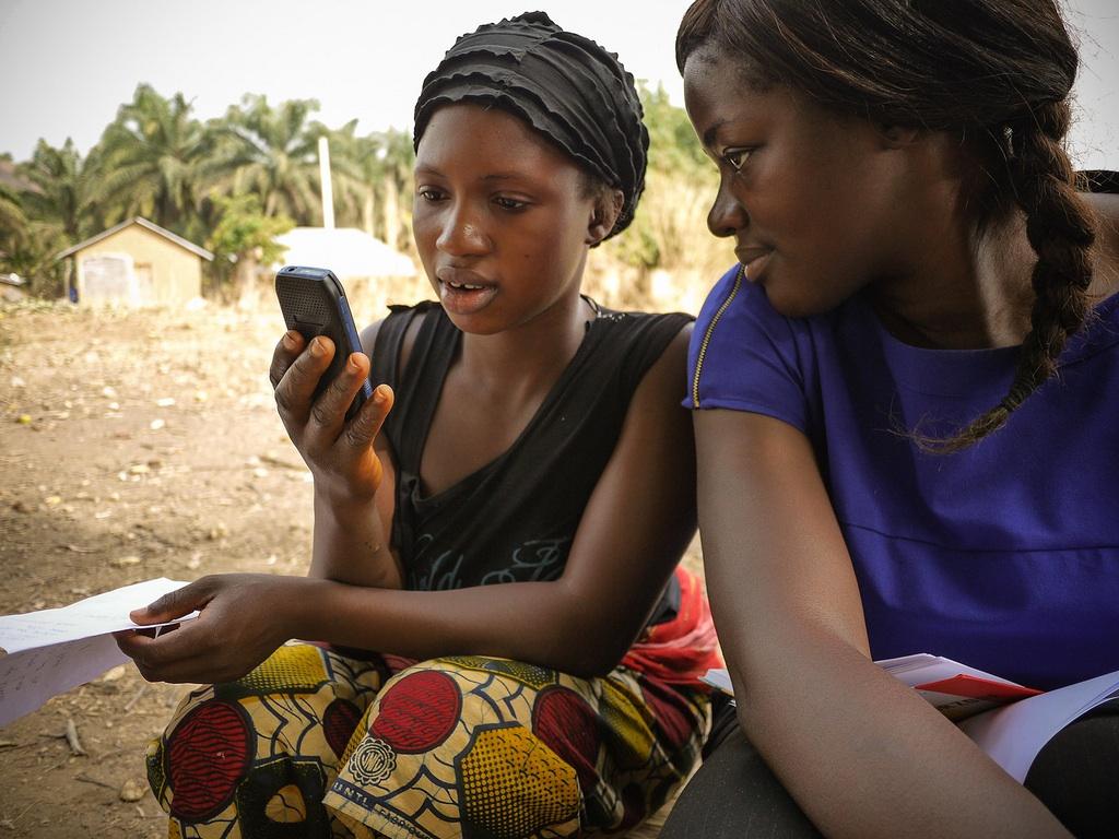 Société : Smartphones et tablettes, la révolution tactile qui handicape les familles