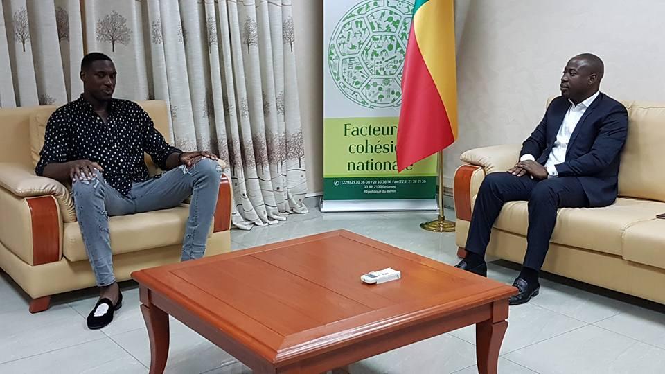 Bénin / Sport: l'International joueur de la NBA Mahinmi reçu par Homeky