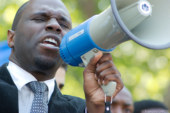 Profil : Kemi Seba, panafricaniste convaincant