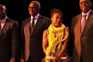 Sénégal: la franco-béninoise Laeila Adjovi remporte le Grand Prix du DAK'ART
