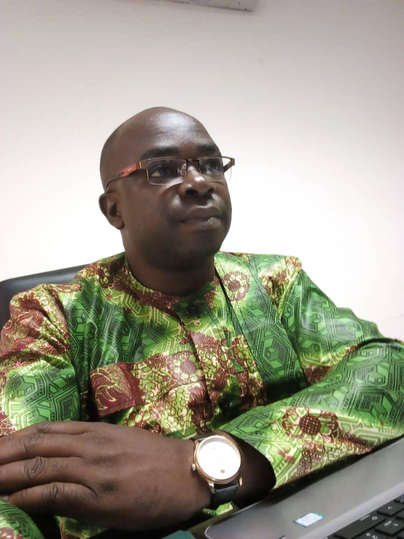 Interview avec le poète togolais  Armand Esso : «Haïr l'horreur   trace l'atrocité de l'homme en 60 poèmes»
