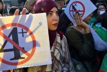 Algérie: les étudiants mobilisés dans la rue contre la «ruse» de Bouteflika
