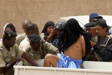 Une centaine «d'étrangers» arrêtés, internet coupé