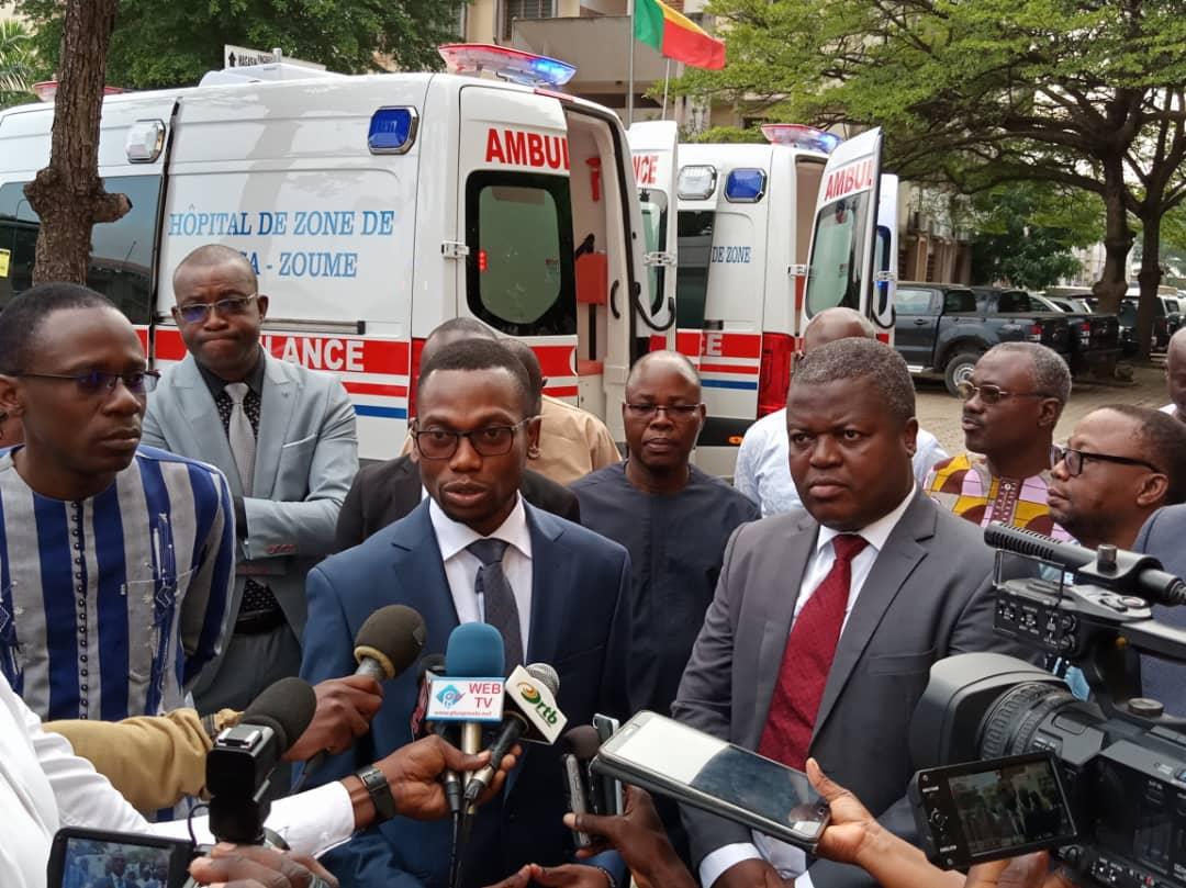 Bénin / Santé : remise de 3 ambulances  aux responsables du Projet ARCH