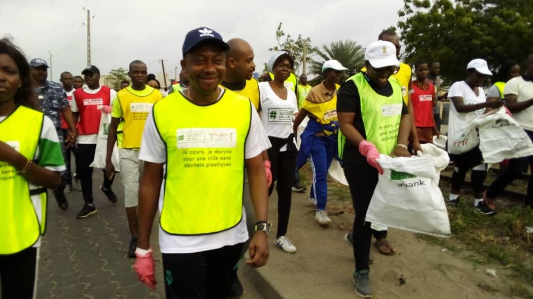 Bénin / Environnement : 10eme édition de Eco Running, Mario METONOU nettoie Cotonou de ses sachets plastiques